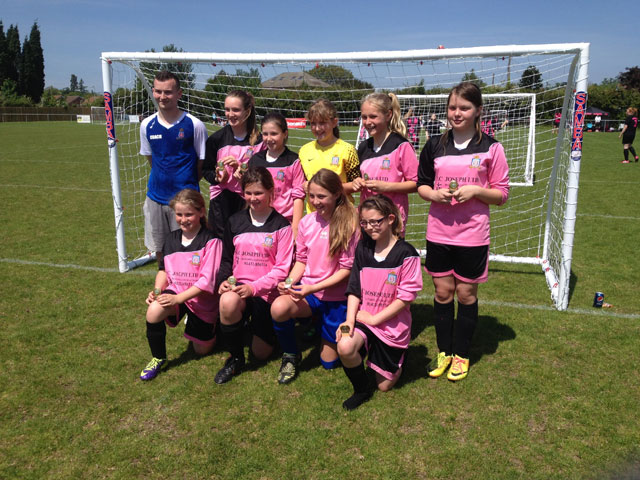 Lads-Club-u12-Vixens-tournament-winners